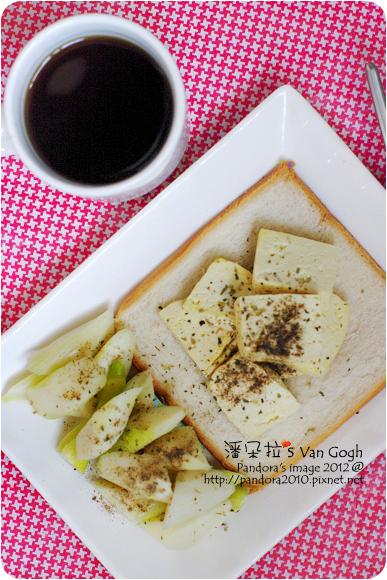 2012.10.14-(伯朗)濾掛咖啡-UTZ CERTIFIED認證豆、吐司、(義美)傳統料理豆腐、筊白筍