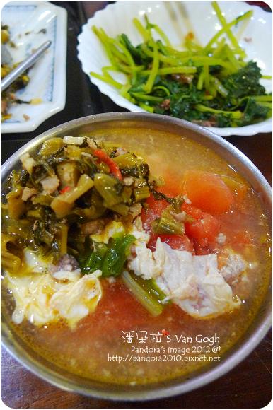 2012.10.19-蕃茄蛋花湯、酸菜炒肉末、清燙地瓜葉