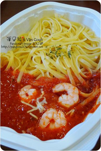 2012.10.19-(7-11)蕃茄鮮蝦義大利麵