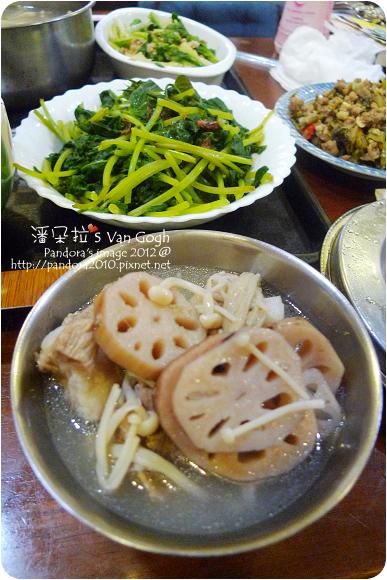 2012.10.19-蓮藕排骨湯、清燙地瓜葉、炒小白菜、酸菜炒肉末