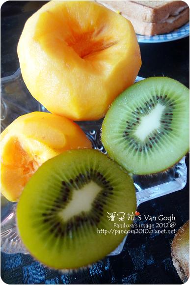 2012.10.25-奇異果、甜柿子