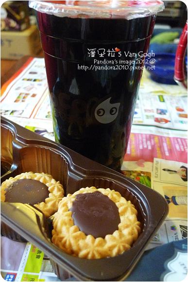 2012.11.01-(健司)牛奶巧克力餅乾、(CoCo)仙爽三寶-仙草凍+珍珠+紅豆