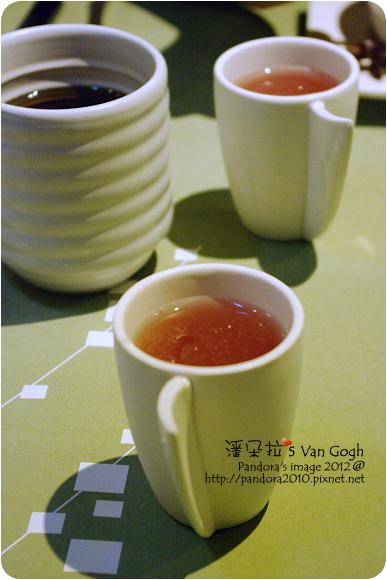 2012.11.09-(陶板屋)桑椹醋汁、麥茶
