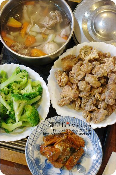 2012.12.03-鹽酥雞、黑木耳貢丸湯、綠花椰菜