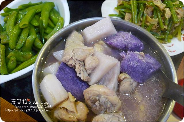 2012.12.11-山藥雞湯、炒荷蘭豆、腐皮炒青菜