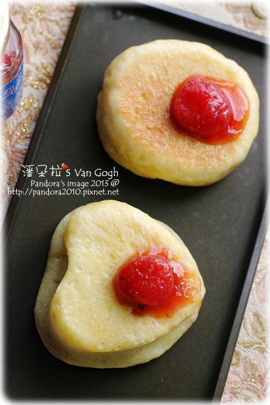 2013.02.06-草莓藏心麵包