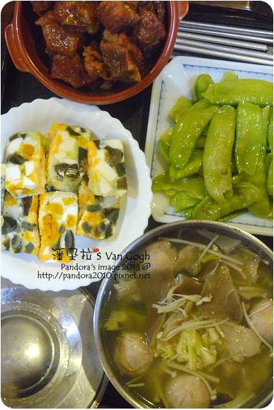 2013.03.05-客家封肉、菇菇貢丸湯、炒扁豆莢、炸雞翅、三色蛋