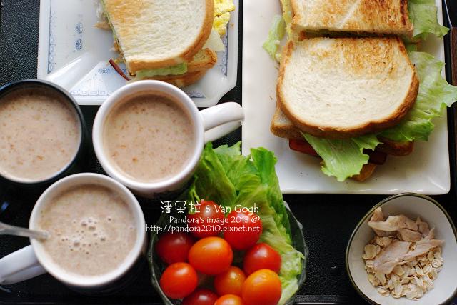 蜜汁雞腿總匯三明治、皇家奶茶麥片