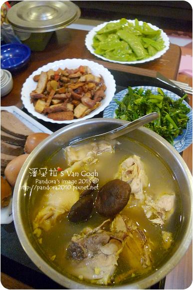 2013.03.14-香菇雞湯、炒扁豆、肉絲炒豆乾