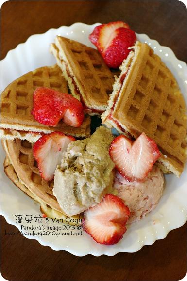 2013.03.27-草莓冰淇淋鬆餅