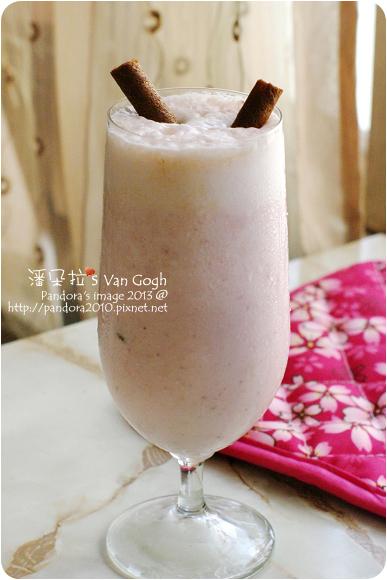 草莓燕麥冰沙