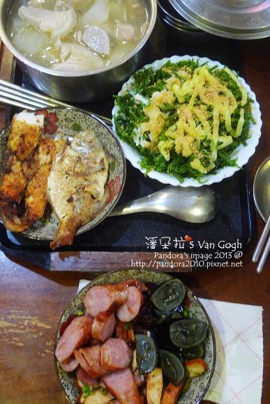 2013.08.02-冬瓜豬肉湯、龍鬚菜沙拉、土魠魚、香腸、皮蛋、豆干.jpg