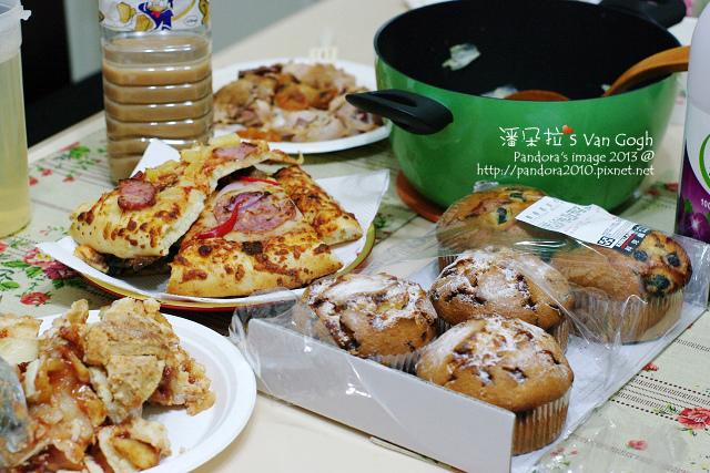 2013.12.21-羊肉爐、pizza、烤雞、馬芬、蘋果派、紅茶、葡萄汁-.jpg