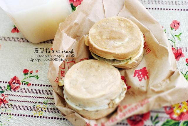 2013.12.24-白五寶、車輪餅-菜脯&芝麻.jpg