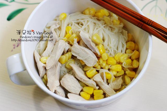 2014.01.02-玉米雞肉麵線.jpg
