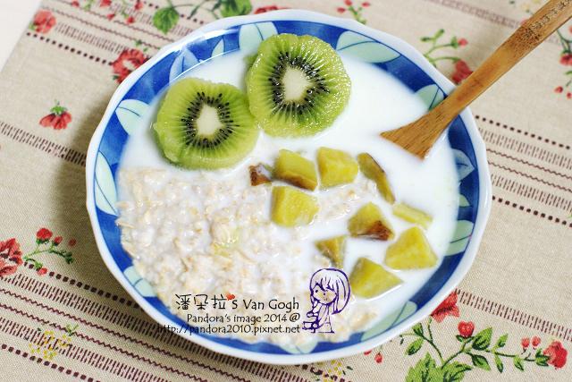 2014.02.11-(桂格)大燕麥片+地瓜+牛奶+奇異果-.jpg