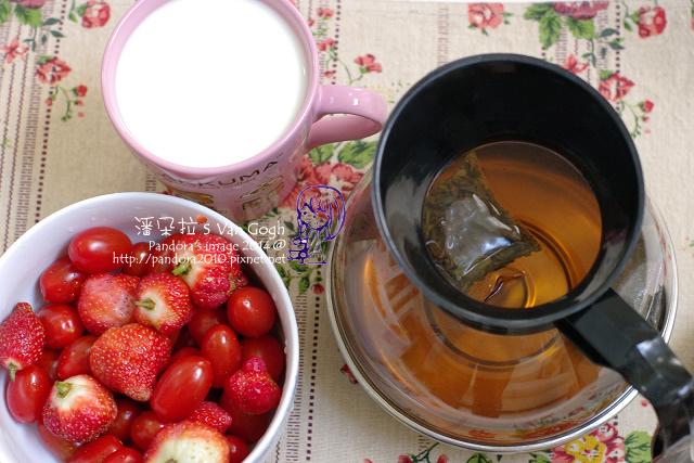 2014.03.05-GABA康福茶、無糖優酪乳+膠原蛋白粉、蕃茄、草莓.jpg
