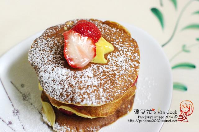 辣草莓布丁千層蛋糕