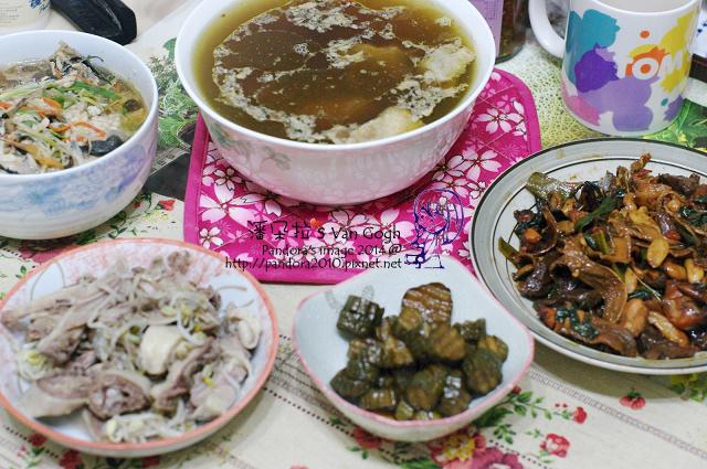 2014.04.07-雞湯、三杯綜合菇、醬瓜、蒸魚、鹽水雞.jpg