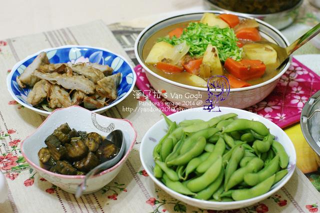 2014.04.09-牛絞肉咖哩、炒牛蒡魚板、毛豆莢、醬瓜.jpg
