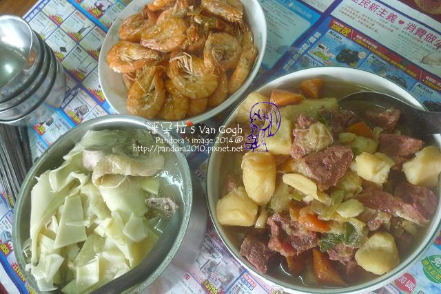 2014.05.10-午餐。馬鈴薯燉肉、草蝦、桂竹筍湯.jpg