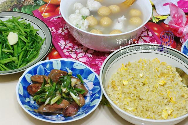 2014.07.07-花枝酥湯、青蔥炒香腸、炒空心菜、海南雞蛋炒飯.jpg
