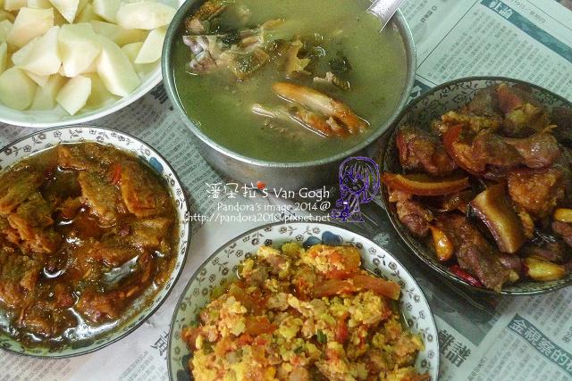 2014.07.20-酸菜鴨肉湯、番茄炒蛋、紅燒肉、涼筍.jpg