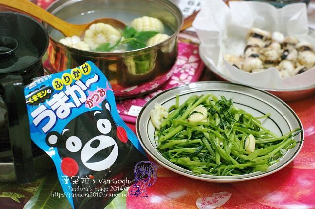 2014.07.27-晚餐。玉米蛤仔湯、炒空心菜、炸章魚腳.jpg