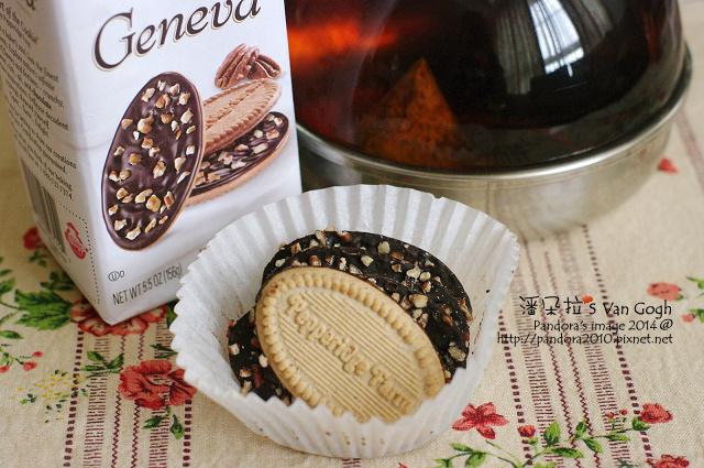 2014.07.28-午茶。纖纖靚茶、(培珀莉)日內瓦餅乾-榛果巧克力.jpg