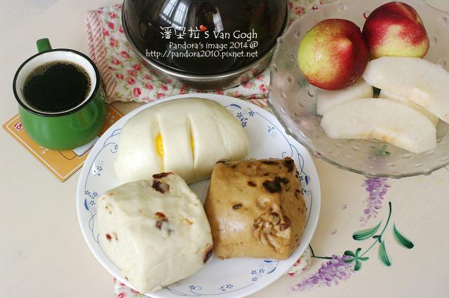 2014.09.22-水梨、甜桃、饅頭、黑咖啡、鐵觀音.jpg