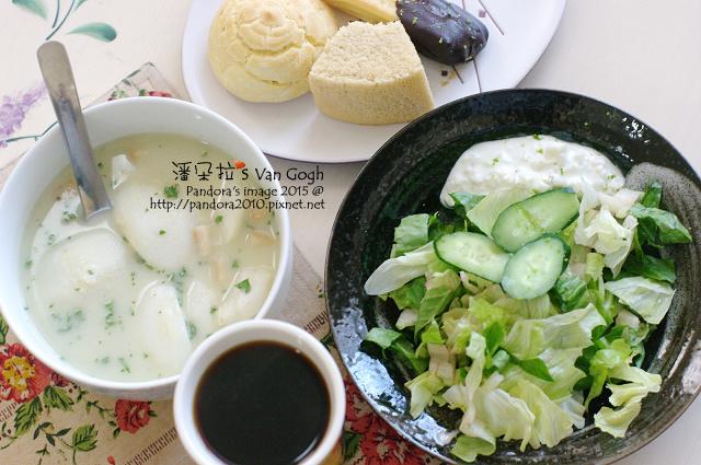 2015.01.11-馬鈴薯濃湯、藍紋乳酪沙拉、泡芙、戚風蛋糕、熱美式咖啡(西雅圖曼巴).jpg