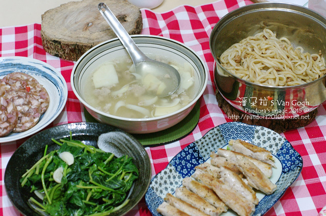 2015.05.13-(竹筍絞肉湯、)豬腳凍、炒地瓜葉、蘆筍玉米筍豬肉捲、乾麵.jpg