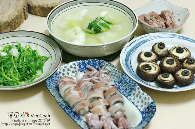 2015.06.15-胡瓜湯、起司蘑菇、水煮小卷、鵝肝醬、炒莧菜.jpg