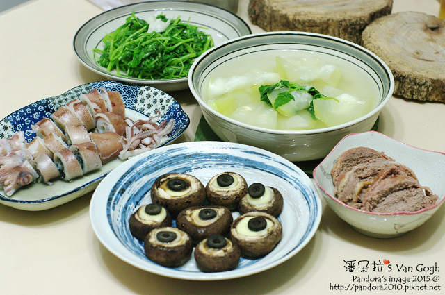2015.06.15-胡瓜湯、起司蘑菇、水煮小卷、鵝肝醬、炒莧菜-.jpg