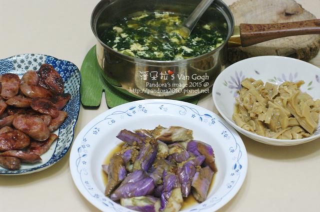 2015.07.07-((紫菜蛋花湯、豆酥茄子、筍乾))、煎香腸.jpg