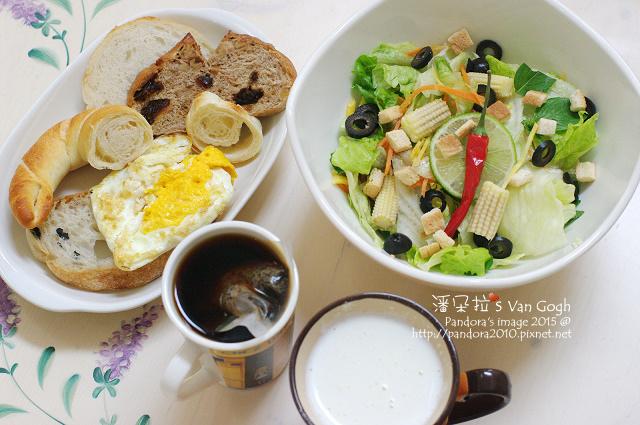 2015.07.16-麵包、生菜沙拉、杏仁膠原牛奶、黑咖啡+膳食纖維粉-.jpg