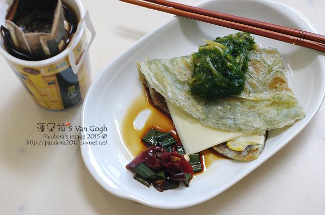 2015.07.29-海苔蛋抓餅(辣醬油)+起司片、吻仔魚海藻.jpg