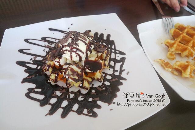 2015.09.09-(羅塔仕咖啡)巧克力猴子(香蕉)鬆餅、蜂蜜鬆餅.jpg