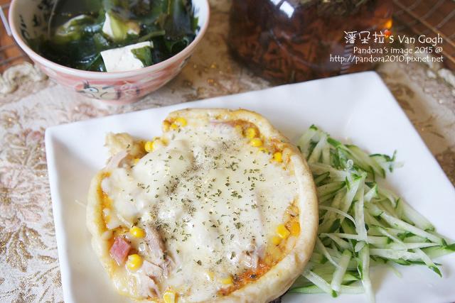 2015.10.02-pizza(夏威夷+鮪魚+起司)、小黃瓜絲、紫菜湯.jpg