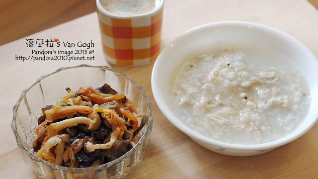 2015.11.18-泡菜蕈菇黑木耳、雞絲薏仁粥、熱美式咖啡-4.jpg