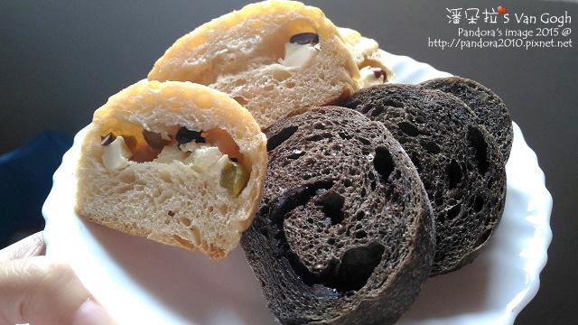 2015.12.07-八寶乳酪麵包、巧克力麵包.jpg