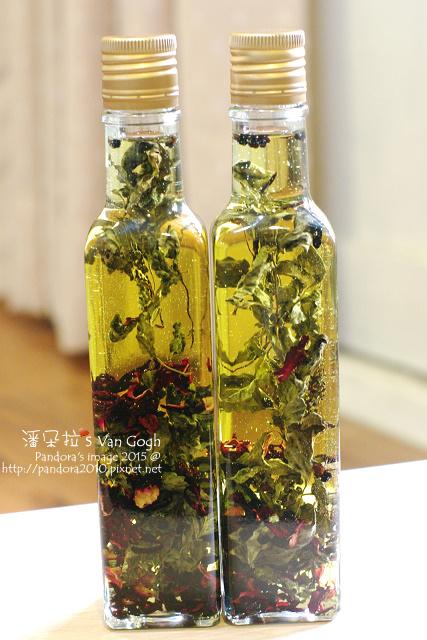2015.12.27-花草橄欖油。蘿勒山桑子葡萄-3.jpg