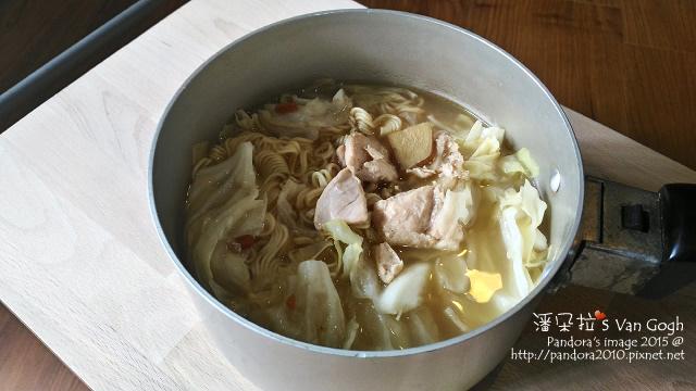 2015.12.31-(台酒)麻油雞麵+高麗菜.jpg