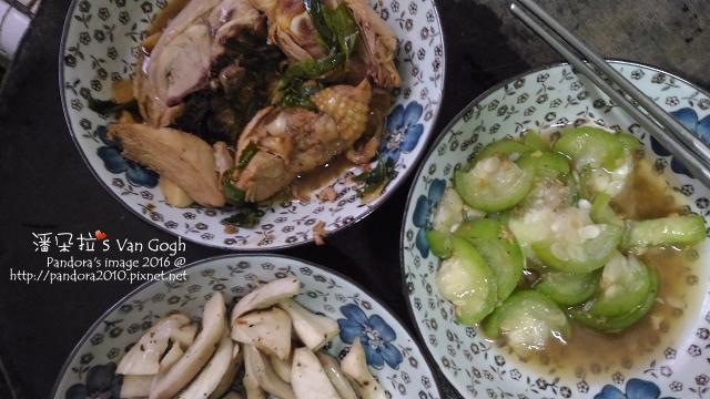 2016.08.17-三杯雞、蒜酥絲瓜、香料杏鮑菇.jpg