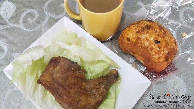 2016.10.03-麵包、炸雞腿、萵苣、三合一咖啡.jpg