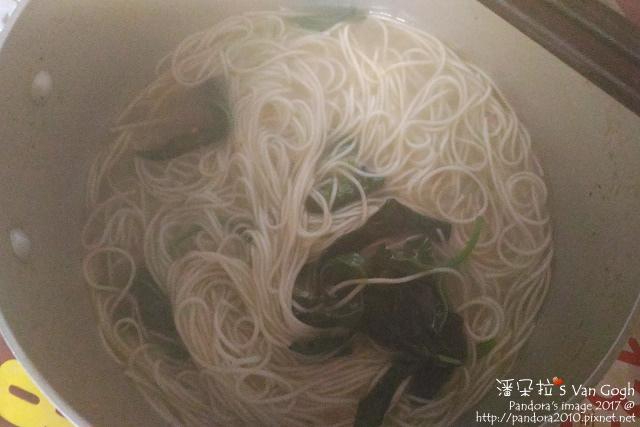 2017.01.24-麻油雞湯麵+麵線+九層塔.jpg