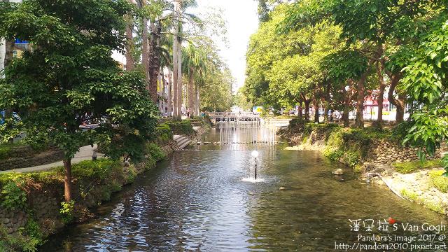 2017.09.28-護城河畔.jpg