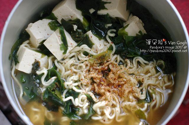 2017.11.29-(日本岩手)醬油拉麵+海帶芽+板豆腐.jpg