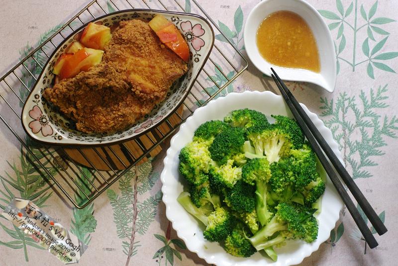 2019.01.13-飲食。(7-11)香辣大雞排、花椰菜、蕃茄、(健康廚房)和風柚子沾拌淋醬.jpg