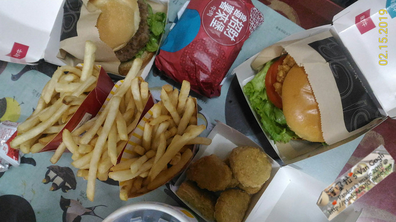 2019.02.15-(麥當勞)BLT勁辣雞腿堡、炸薯條、可樂、炸雞塊.jpg